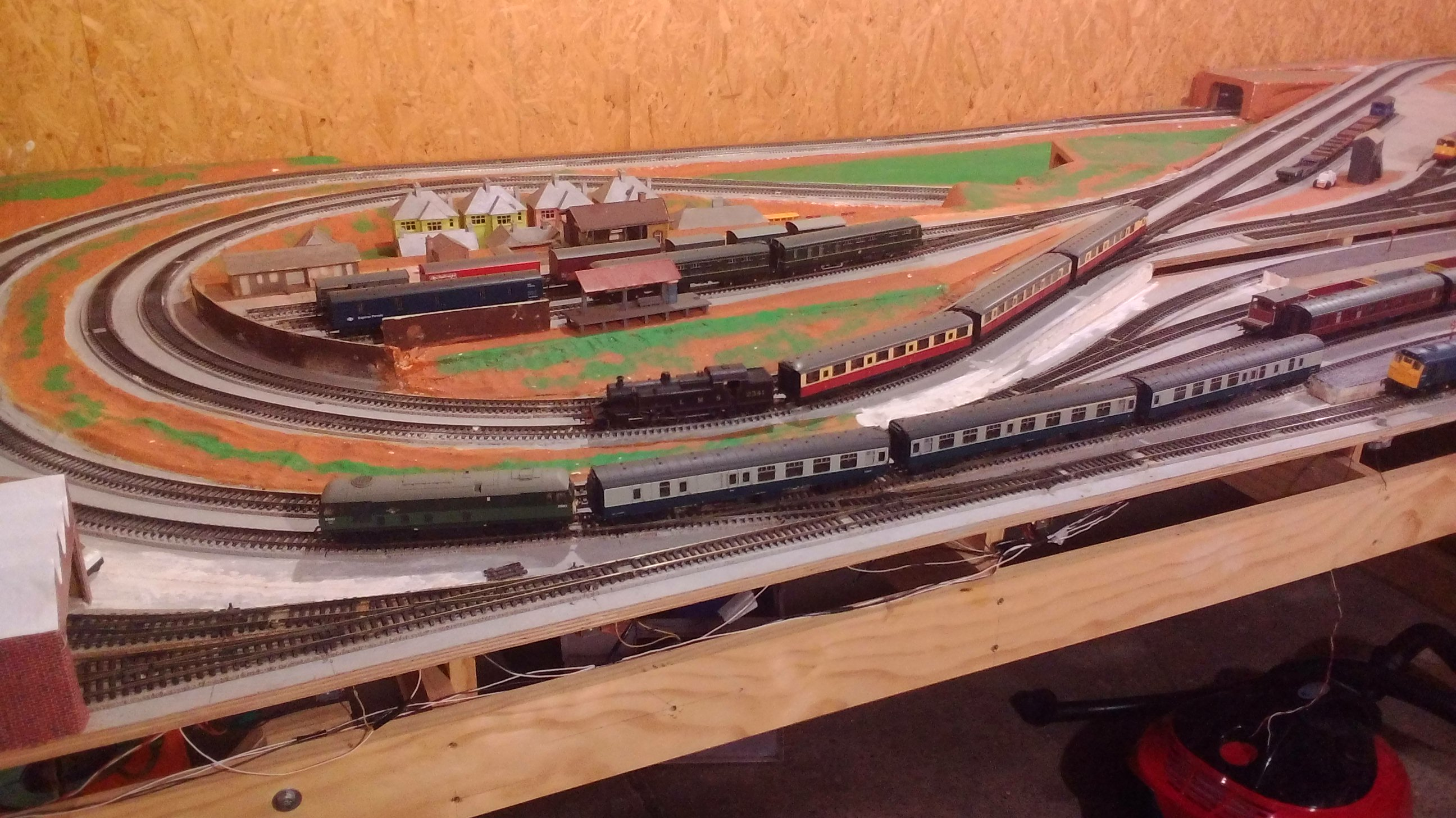 15ft x 6ft layout built in two sections