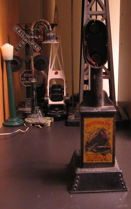 Lens for Louis Marx Signal Light
